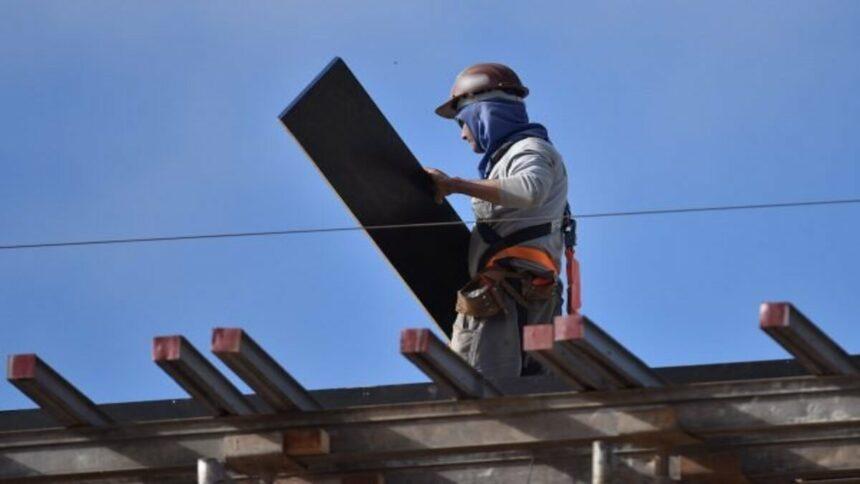 Obras do setor público estão sendo as mais prejudicadas na construção civil devido à falta de insumos, pois empresas privadas possuem contato direto com fornecedores